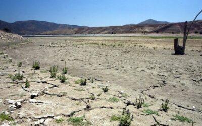 Disponibilidad de agua en el norte y centro de Chile podría disminuir hasta más de 50 por ciento.